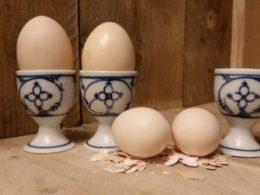 Set van 3 antieke eierdoppen Blau Saks