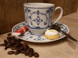 Cappuccino kop en schotel Blau Saks Winterling 150 ml recht model
