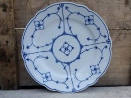 Geschulpte platte borden, dinerborden Jager blau saks