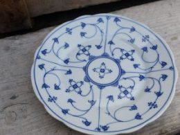 Geschulpte  gebaksbordjes, dessertbordjes  Blau saks