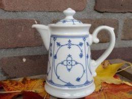 Blauw saks Schonwald theepotje 1 pers 350 ml , leuk voor High tea!