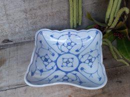 Blau saks vierkante geschulpte schaal