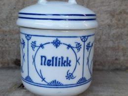 Blau saks kruidenpotje Jager met tekst Nellikk ( Noors)