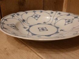 Blauw saks diepe borden, geschulpte borden, soepborden KPM