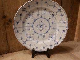 Blau saks antieke geschulpte dinerborden