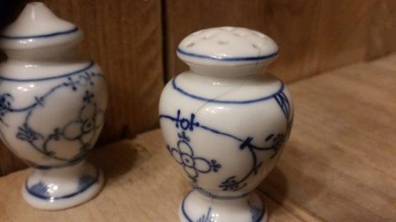 Antiek pepervaatje blauw saks