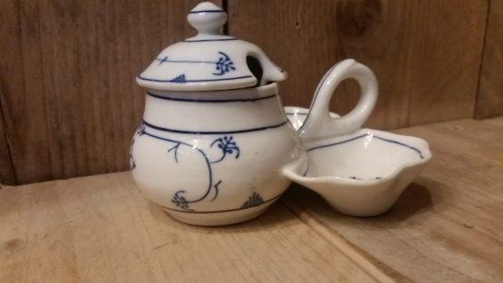 Blauw saks antiek menagesetje ( mosterd, zout en peper )