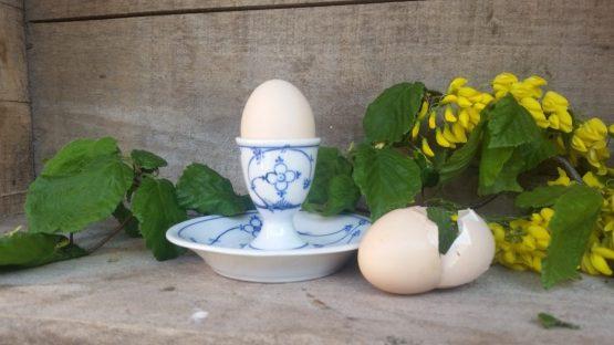 Blau saks eierdopje op vaste onderschotel Oscar Schaller