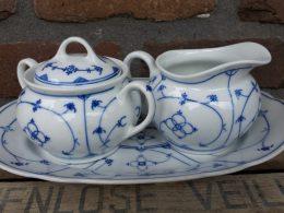 Blauw saks antieke set roomstel, suikerpot, melkkannetje en onderschaaltje