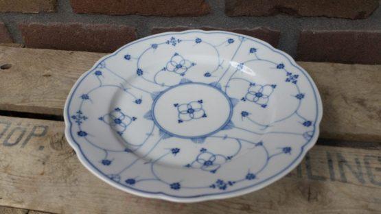 Blauw saks antieke geschulpte borden, dinerborden