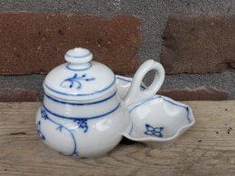 Antiek menagesetje geschulpt ( mosterd zout en peper) Blauw saks