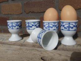Blauw saks eierdopjes op voetje setje van 5 stuks