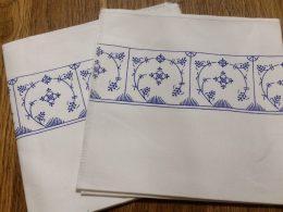 Set van 2 servetten blauw saks Jager etiket