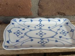 Blauw saks schaaltje, bonbonschaaltje, oscar Schaller , Bavaria  geschulpt