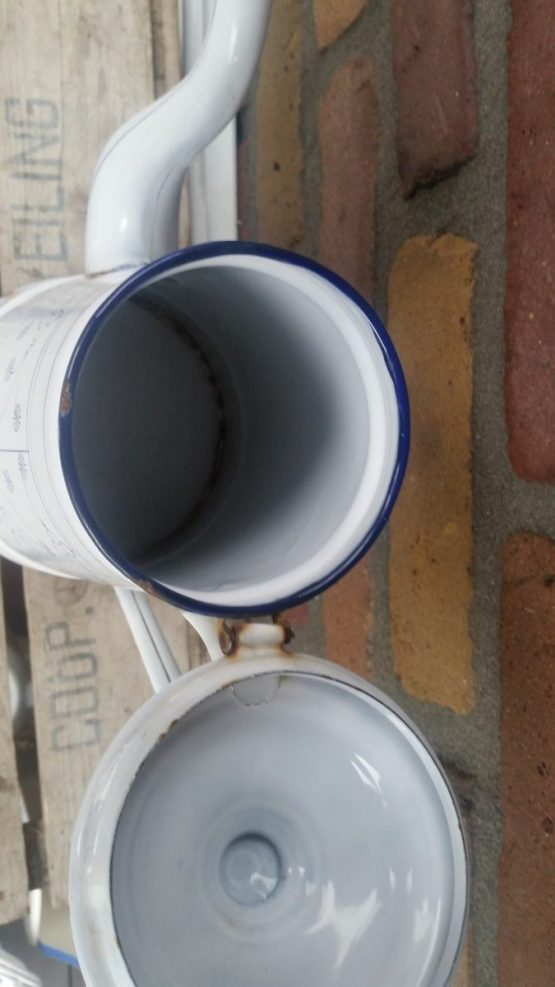 Grote hoge koffiepot emaille blauw saks ca  30,5 cm hoog