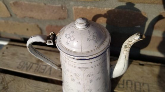 Grote emaille koffiepot hoogte ca 28 cm blauw saks