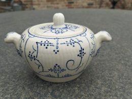 Blauw saks aardewerk suikerpot Boch made in Belgium