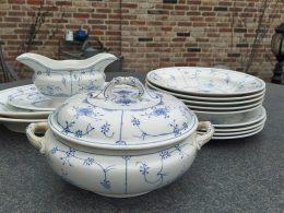 Blauw saks aardewerk diner set