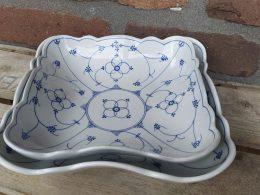 blauw saks vierkante geschulpte schaal