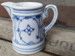 Blauw saks antiek melkkannetje, roomkannetje 120 ml