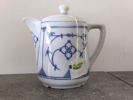 Blauw saks theepotje 'tea for one' gemerkt Bareuther